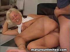 pohotlivaya-starushka-porno