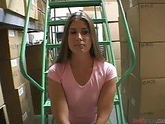 Похотливую девку нигер трахает на складе.