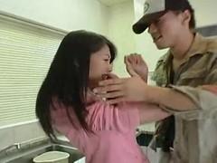 Грвбитель  жестко насилует училку Maki Tomoda